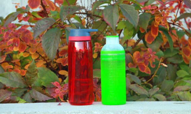 c8776896 LEKKER MYE: Disse drikkeflaskene, fra McKinley og Sistema, lekker mye i vår  test