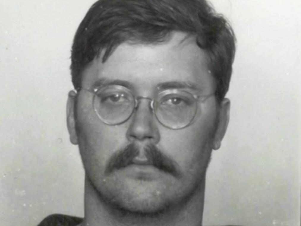SERIEMORDER: Arrestasjonsfoto av Edmund «studentslakteren» Kemper 24. april 1973, dagen han arresteres for drapet på moren og venninnen. Seinere siktes han og dømmes for totalt åtte drap. Foto: Wikimedia Commons
