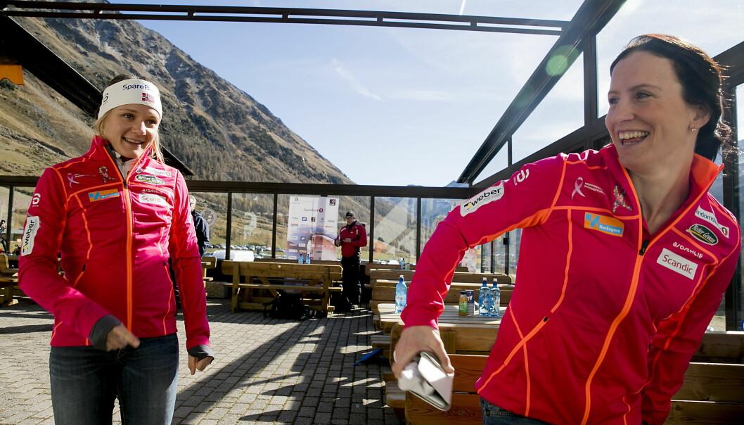 INGEN SPØK: Maiken Caspersen Falla og Marit Bjørgen lader opp til et nytt OL i høyden i Val Senales, men de er sjokkerte over avsløringene i dopingdokumentaren Ikaros. Foto: Bjørn Langsem / Dagbladet.