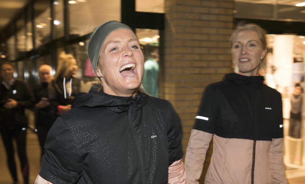 REKORDSESONG: 15/16-sesongen var en rekordsesong for Therese Johaug. Det gir utslag på skattelista. Her under et arrangement av Anton Sport. Foto: Terje Pedersen / NTB scanpix