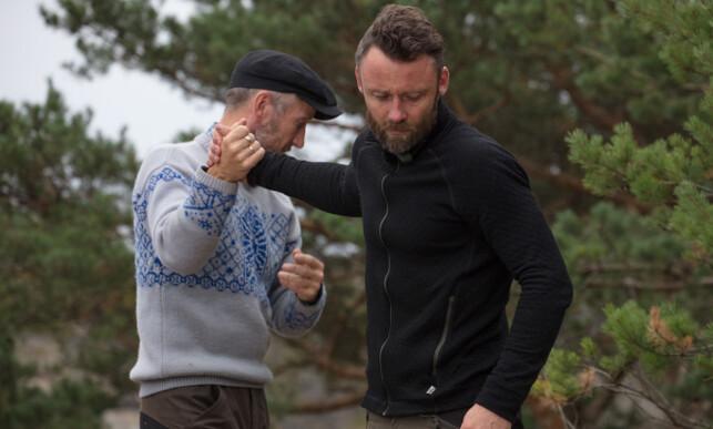 TAR FARVEL: Selv om det var Geir Magne Haukås som sørget for at Tom Evensen måtte reise hjem, bærer han ikke nag overfor reality-kompisen. Foto: Alex Iversen / TV 2