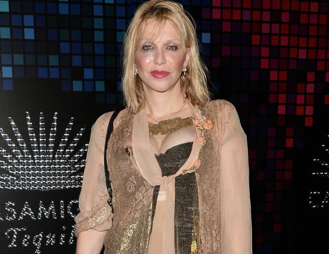 <strong><p>UVISS UTKLEDNING:</strong> Courtney Love var tilstede på halloween-festen, men det er uvisst hva hun var utkledd som. Foto: NTB Scanpix</p>