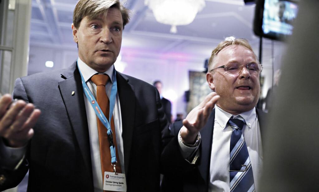 KRITISK: Christian Tybring-Gjedde mener Erna Solberg bør vurdere om Per Sandberg kan fortsette som fiskeriminister. Her er de sammen på Frps valgvake i 2017. Foto: Bjørn Langsem