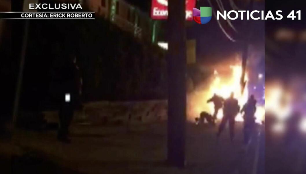 Politimenn siktet for vold og drapsforsøk etter å ha slått en brennende mann