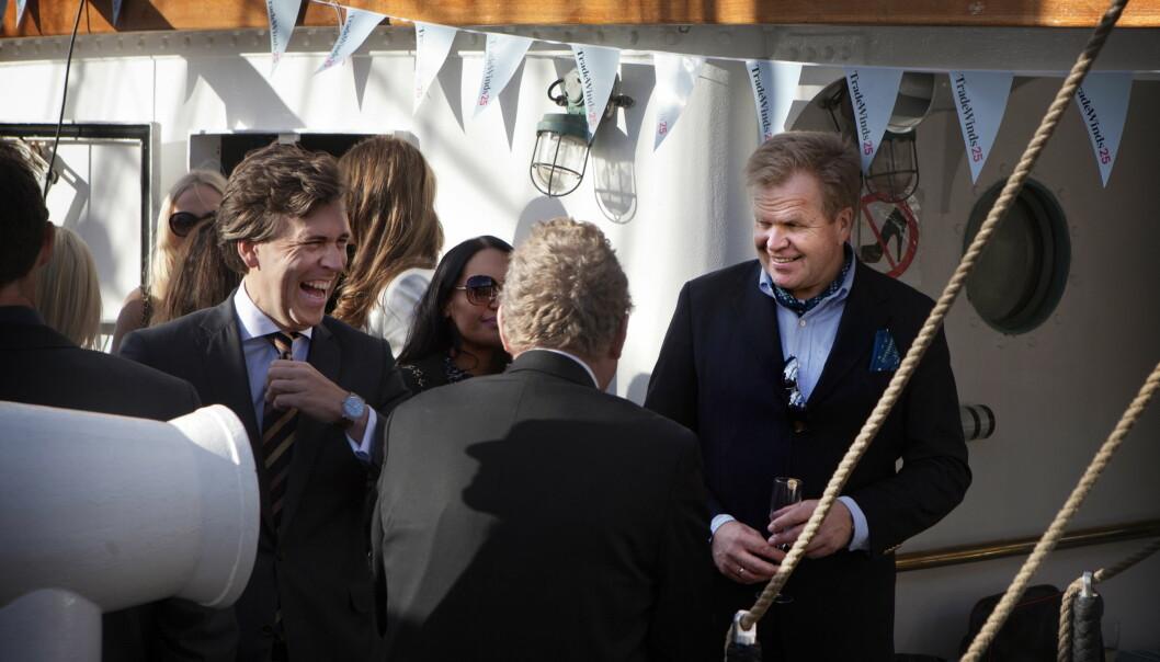 PARTY: Gunnar Bjørkavåg (til høyre) arrangerer fest for avisa TradeWinds ombord på Christian Radich i 2015. Foto: Anders Grønneberg