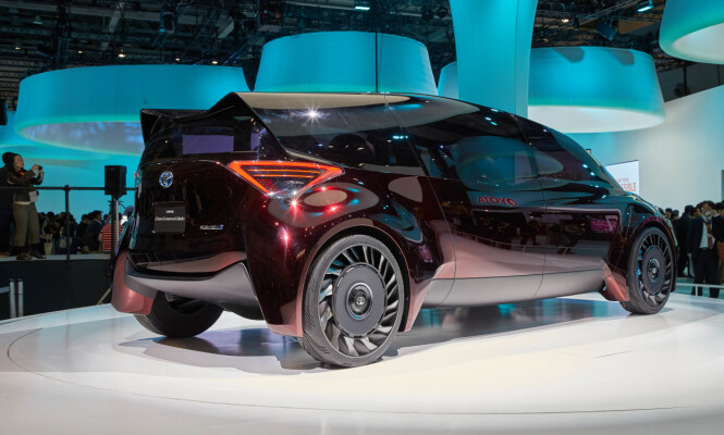 <strong>VISJONÆRT:</strong> Fine-Comfort Ride er helt åpenbart en konseptbil, men viser at Toyota ikke gir opp sin hydrogensatsing. Foto: Newspress