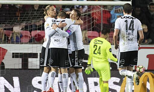 BEST IGJEN: Rosenborg er seriemestere for trejde gang på rad.   Foto: Marit Hommedal / NTB scanpix