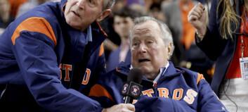 Det hvite hus slår tilbake etter kritikk fra far og sønn Bush i ny bok