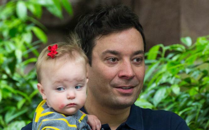 TO BARN PÅ 17 MÅNEDER: Her er Jimmy sammen med sin første datter, Winnie Rose. Foto: All Over Press