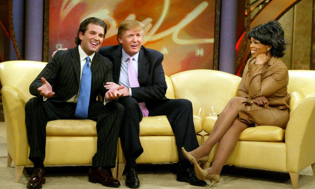 VISEPRESIDENT? NEI TAKK: Donald Trump har flere ganger luftet tanken om å ha Oprah Winfrey som sin visepresident. Sistnevnte har imidlertid vist liten interesse for jobben. Her er de to avbildet sammen med Donald Trump Jr. under innspillingen av «The Oprah Winfrey show» 18 februar i 2004. Foto: George Burns / Harpo Productions / AP / NTB Scanpix