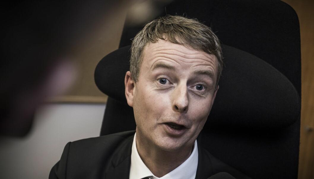 <strong>I STORM:</strong> Med stadig sterkere vindkast. Olje- og energiminister Terje Søviknes har problemer med Goliat-feltet. Foto: Lars Eivind Bones / Dagbladet