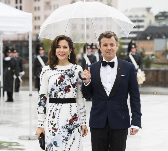 I OSLO: Kronprinsesse Mary og kronprins Frederik var i Oslo tidligere i år for å ta del i kong Harald og dronning Sonjas 80-årsfeiring. Foto: NTB Scanpix