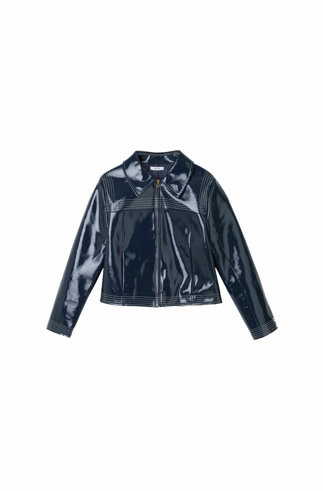 Jakke fra Ganni  3099,-  http://www.ganni.com/en/regent-jacket/F2160.html?dwvar_F2160_color=Total%20Eclipse