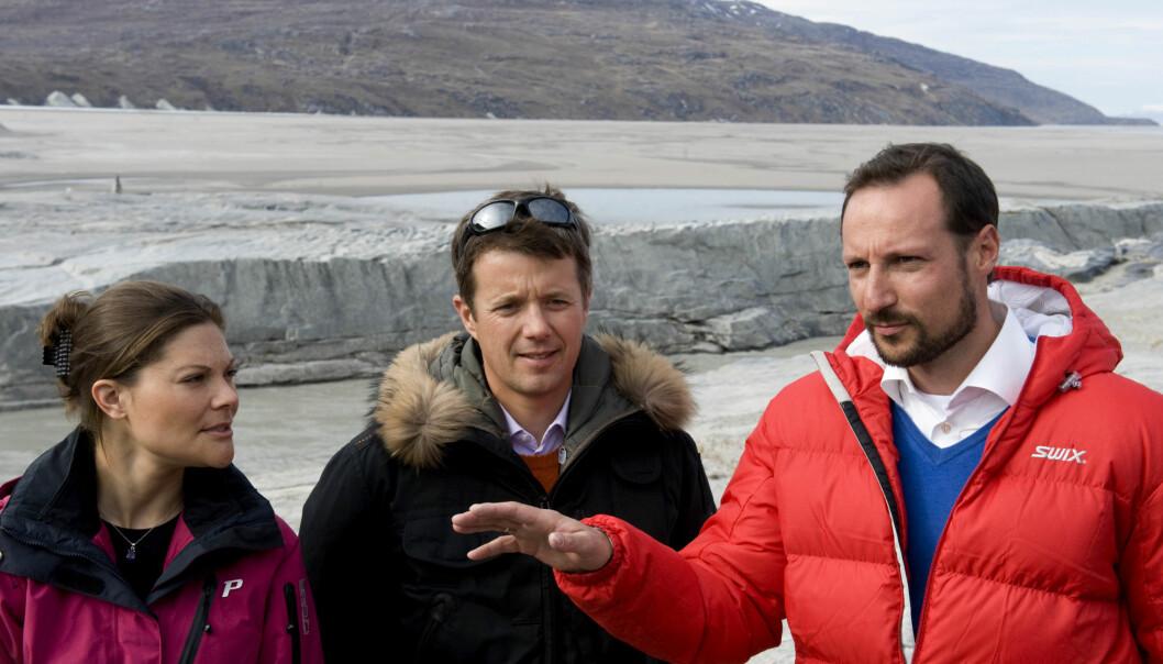 KONGELIG TRIO: De tre tronarvingene fotografert i forbindelse med et besøk på Grønland i 2009. Foto: NTB Scanpix