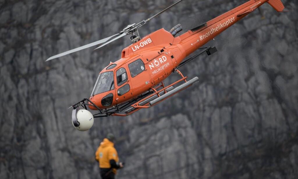 SLEIT: Tirsdag observerte Dagbladet gjentatte landingsforsøk, men vinden var for kraftig for helikoptrene. Foto: Tommy Ellingsen / Dagbladet