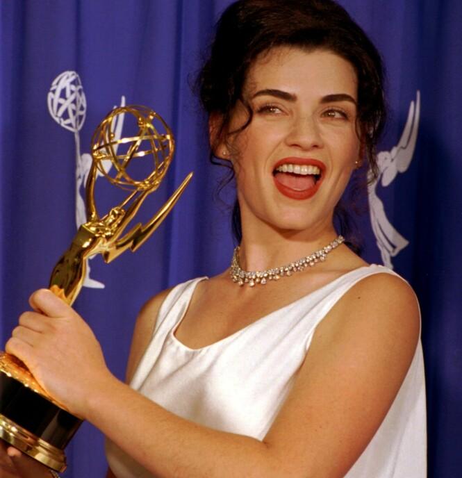 UBEHAGELIG MØTE: Julianna Margulies er blant kjendisene som hevder at Steven Seagal har drevet med sextrakassering. Her er hun avbildet på Emmy Awards i 1995. Foto: AP/ NTB scanpix