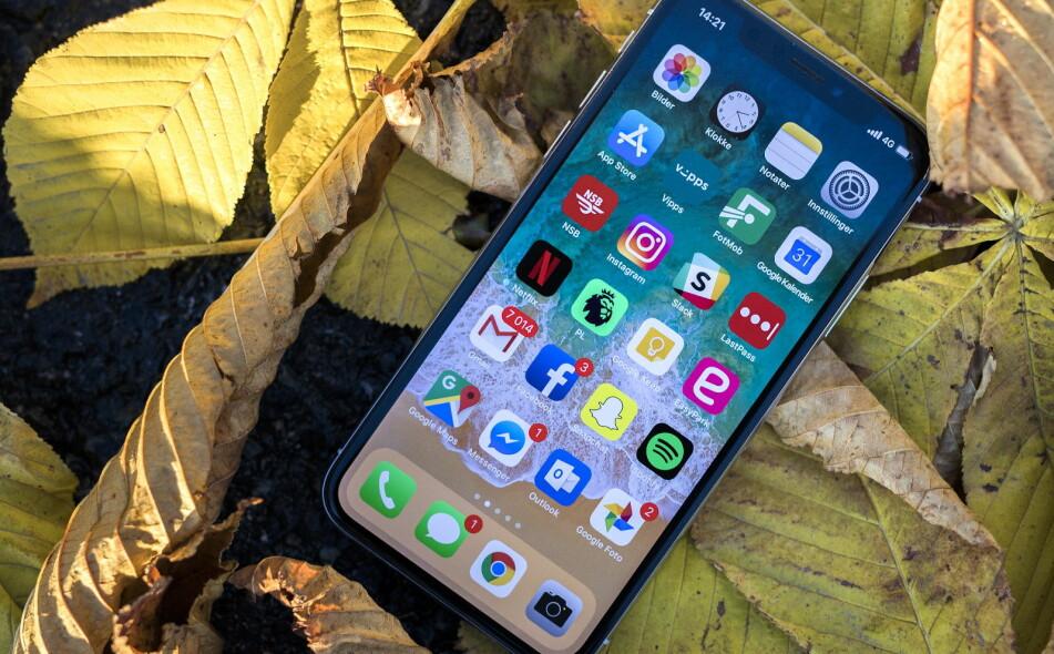 <strong>APPLES NYE TOPPMODELL:</strong> iPhone X er blant de beste telefonene på markedet, men koster også deretter. Foto: Tomm W. Christiansen / Dagbladet
