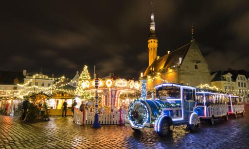 JULESTEMNING: Det spares ikke på noe når man pynter til jul i Tallinn. Foto: Shutterstock / NTB Scanpix