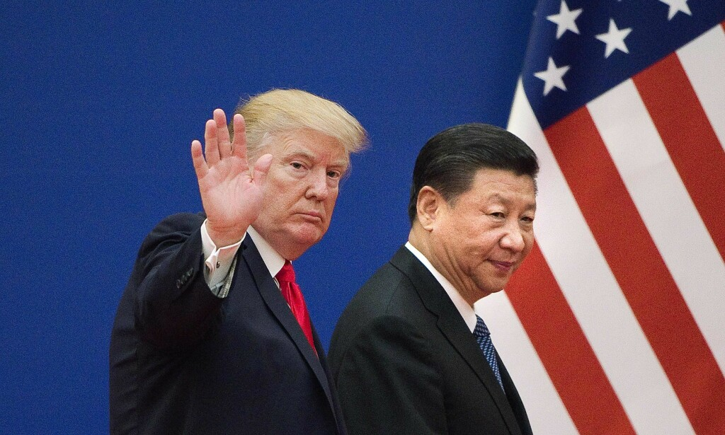 ATOMVÅPEN: USA vil utvikle atomvåpenprogrammet sitt til stor irritasjon for kineserne. Her er USAs president Donald Trump sammen med Kinas president Xi Jinping i Beijing i fjor. Foto: NTB scanpix
