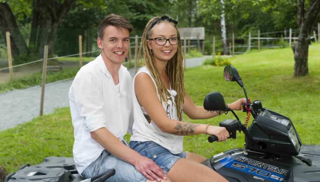 SENDT HJEM: Beatrice Fjell valgte i kveld å sende hjem Simen Gjølberg Johansen. Det ble en tårevåt affære. Foto: TV 2