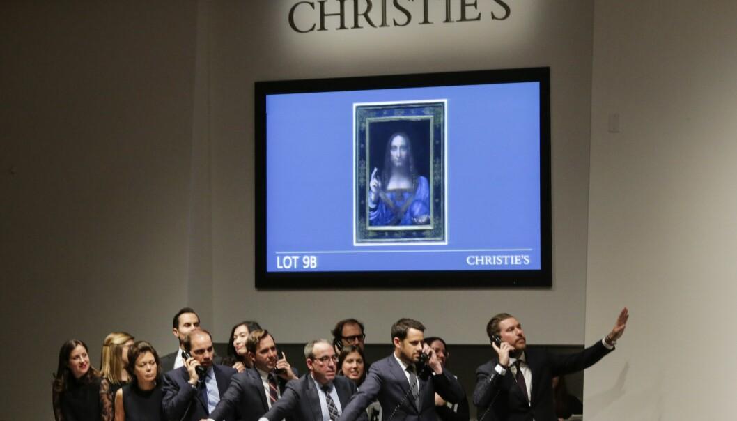 <strong>VILL BUDRUNDE:</strong> Agentene som forsøkte å vinne budrunden på Christies. Foto: Eduardo Munoz Alvarez/Getty Images/AFP