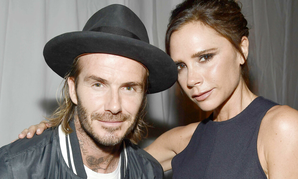 STRENG: Victoria og David Beckham mener at høflighet og disiplin er viktige regler å lære barna sine. Foto: NTB Scanpix
