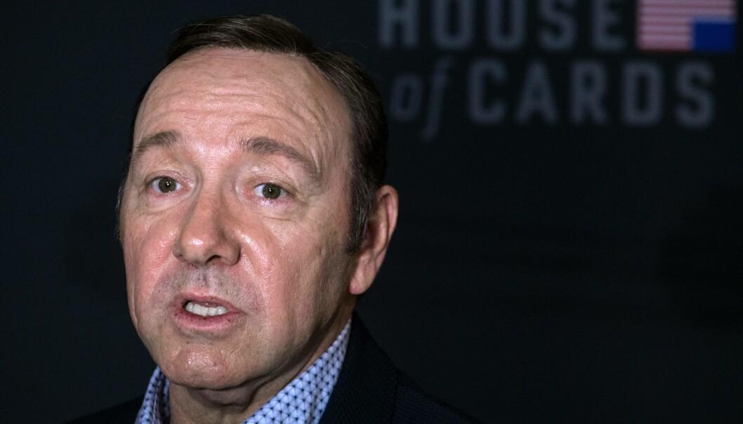 <strong>ANKLAGET:</strong> Kevin Spacey er anklaget for seksuell trakassering fra 20 personer ved sin tidligere arbeidsplass Olc Vic teater. / AFP PHOTO / Nicholas Kamm