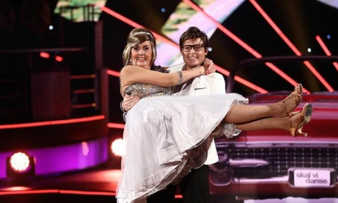 <strong>HARD TRENING:</strong> Trude Drevland (70) er klar på at det var en overgang å plutselig skulle trene som en toppidrettsutøver, men er strålende fornøyd med uttellingen dansen ga på kroppen. Foto: TV2