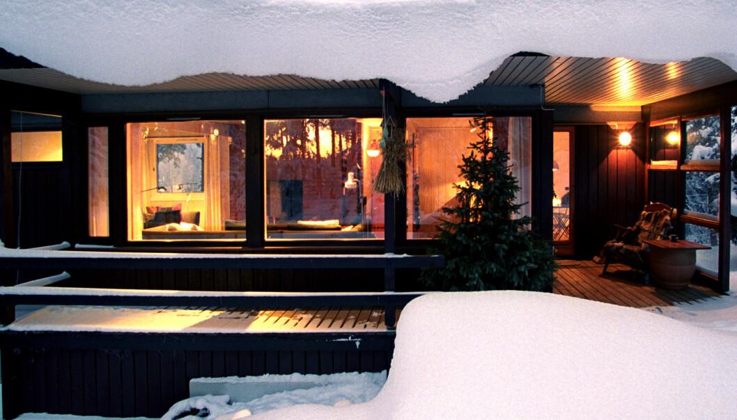 <strong>STRØM OG STEMNING:</strong> Det er greit å ha det godt og varmt når vinteren kommer på ordentlig, men prisen på kosen kan kjøle ned stemningen. Foto: Berit Roald/Scanpix.