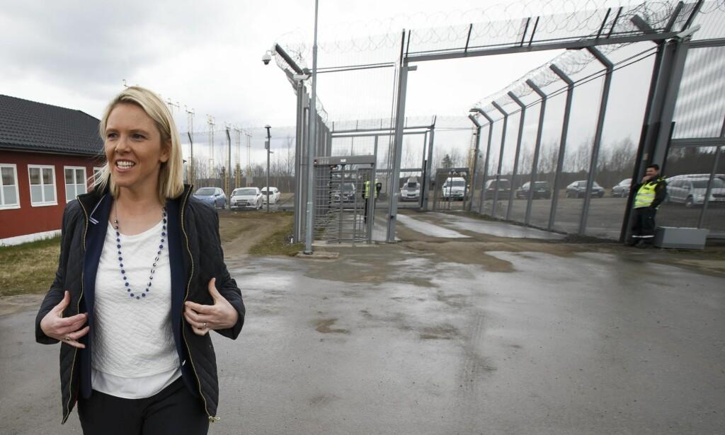 «FOR IVRIG»: Kronikkforfatteren mener innvandrings- og integreringsminister Sylvi Listhaug går veldig mye lenger enn hva asylforliket, norsk lov og egne forskrifter åpner for. Foto: Heiko Junge / NTB Scanpix