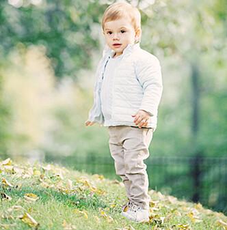 SØTNOS: Prins Oscar er en tro kopi av sin far! Foto: Erika Gerdemark // Kungahuset.se