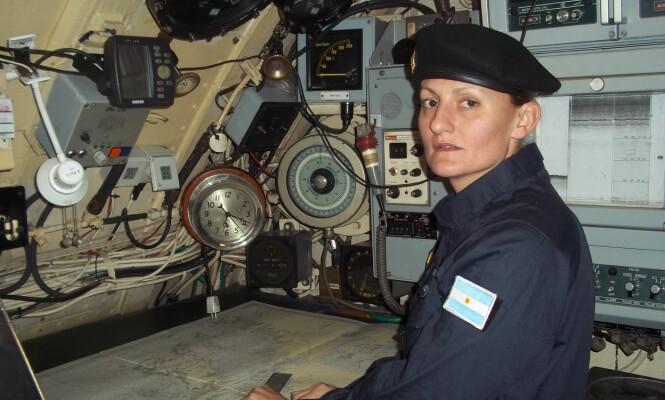 <strong>Historisk:</strong> Dette bildet, som blir delt av Argentinas marine, viser Eliana Krawczyk. Hun ble historisk som Argentinas første kvinnelige ubåt-offiser. Nå er hun en av 44 personer som er savnet, etter at ubåten «ARA San Juan» ga sitt siste livstegn onsdag. Foto: Argentinas marine