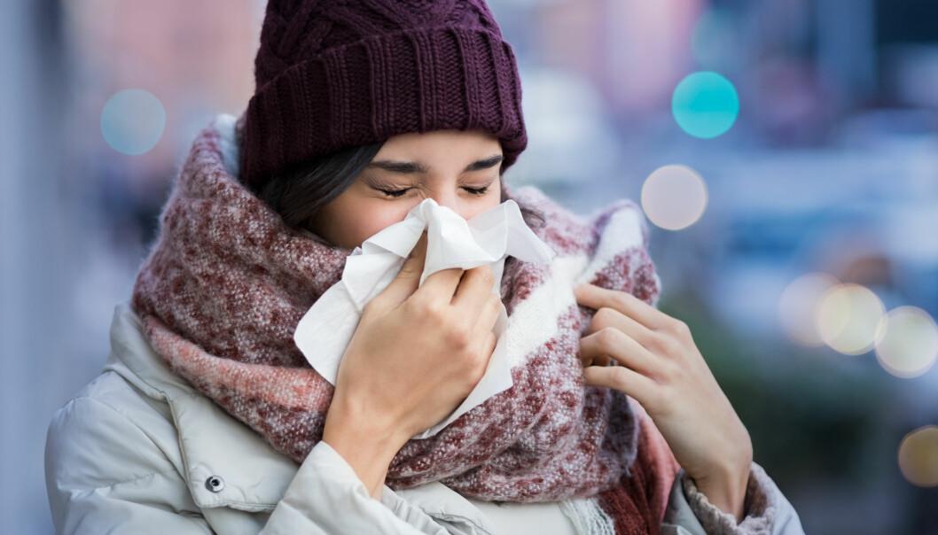 FORKJØLELSE: Det passer aldri å bli forkjølet, derfor gjør vi alt vi kan for ikke å bli smittet. FOTO: NTB Scanpix