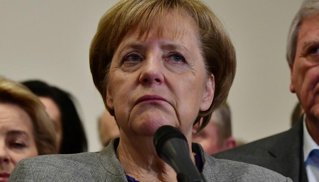 <strong>NEDERLAGET:</strong> Forbundskansler har nederlaget skrevet i ansiktet etter bruddet i regjeringsforhandlingene natt til mandag. Foto: AFP / NTB Scanpix
