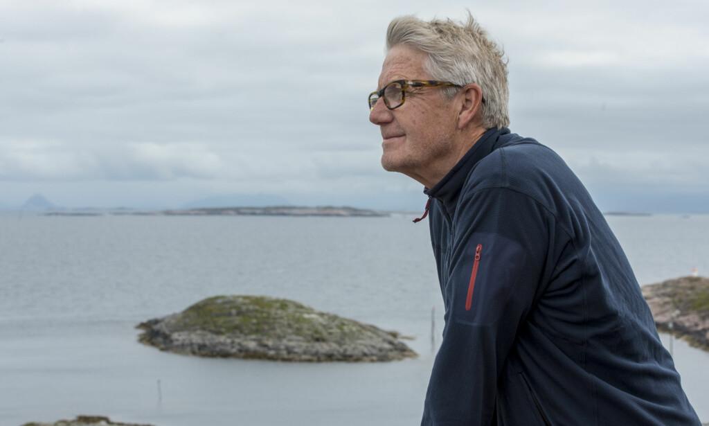UT MOT HAVET: Jan Hellstrøm er seiler i blodet. Da han oppdaget Myken begynte straks drømmen om Toscana å falme. Foto: Espen Rikter-Svendsen