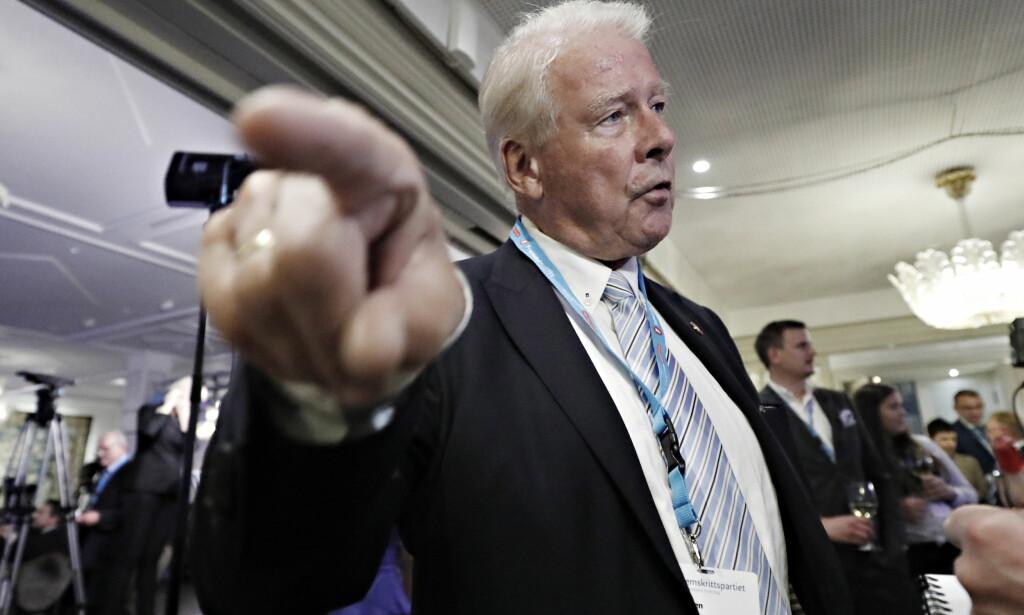 VIL TIL NOBELKOMITEEN: Men Frps nestor, Carl I. Hagen møter motstand på Stortinget. Foto: Bjørn Langsem / Dagbladet.