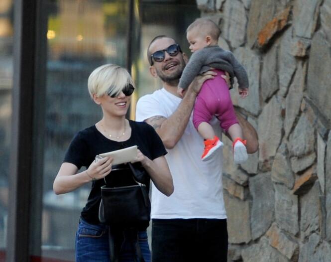 DATTER: I 2014 fikk Scarlett og Romain datteren Rose sammen. Foto: NTB scanpix