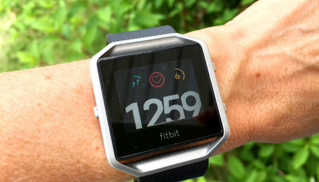 Fitbit Blaze har for første gang bikket under 1.000 kroner.