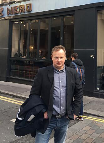 FÅR SVI: Arne Glenn Flåten driver to reiselivsbedrifter på Vestlandet. Han har allerede solgt ut halve kapasiteten for 2018, og må kompensere for momsøkningen av egen lomme. Foto: Privat