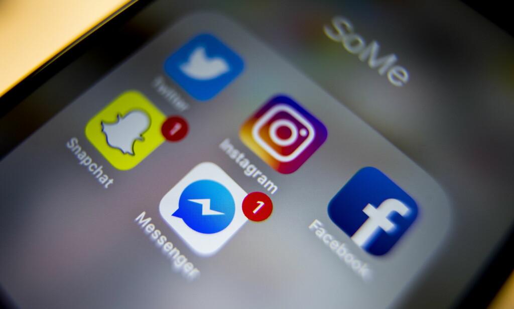 BLIR STADIG MER LIKE: Snapchat og Facebook Messenger får flere og flere av de samme funksjonene. Foto: Håkon Mosvold Larsen / NTB scanpix