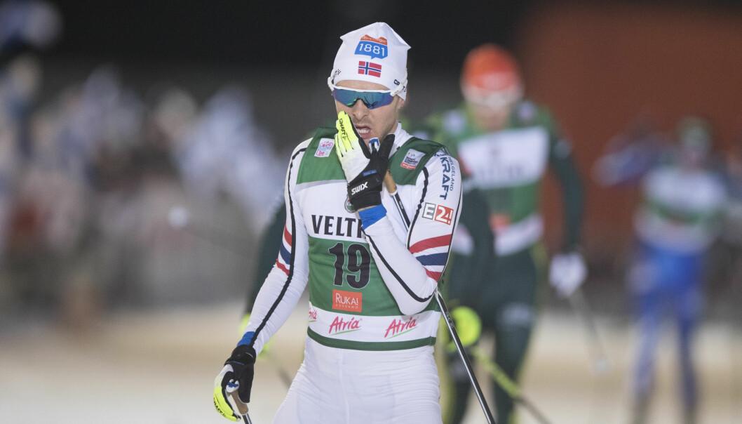 <strong>FALT:</strong> Jørgen Graabak var på vei mot seier, men falt en kilometer fra mål. Foto: Terje Pedersen / NTB scanpix