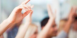 image: Sensitiv informasjon om elever og lærere gis til privat konsulentfirma. Hvor er debatten?