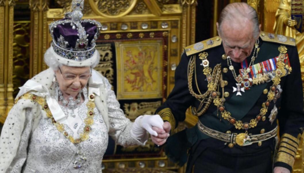 GODE OG ONDE DAGER: Dronning Elizabeth og prins Philip har holdt seg sammen, gjennom tykt og tynt, i flere tiår. Her er de fotografert i 2013. Foto: NTB scanpix