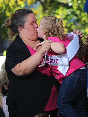 GIR MAMMA MODELLRÅD: Alana «Honey Boo Boo» Thompson har deltatt i flere missekonkurranser for barn. Nå skal hennes mamma prøve seg i en liknende konkurranse for voksne. Foto: Stella Pictures