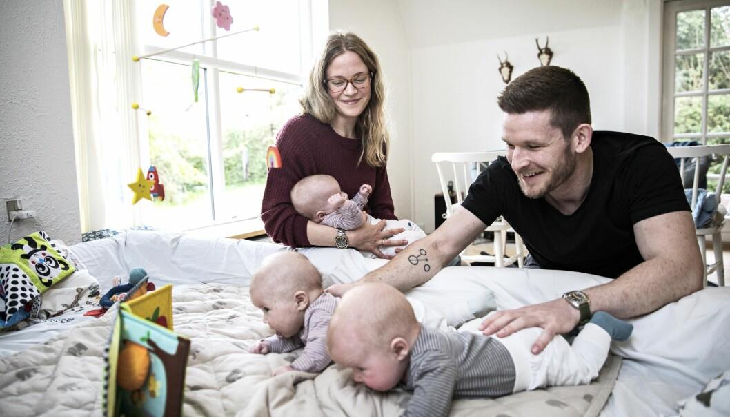 <strong>ALDRI NOK HENDER:</strong> Petra og Mads med barna Wilma, Harald og Rosa. FOTO: Niels Hougaard