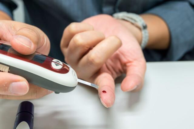 diabetes sintomática akutt diare