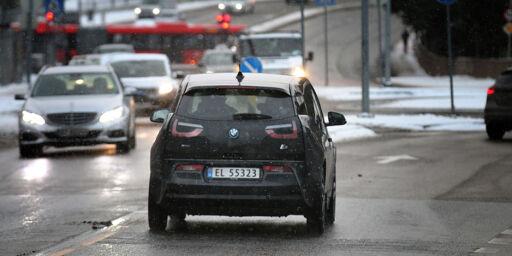 image: Derfor bør du skru på lysene på bilen manuelt
