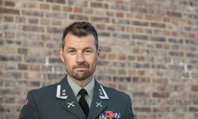 TILTAK: Oberstløytnant Frank Sølvsberg opplyser at Forsvaret har skjerpet rutinene og innført nye tiltak for å hindre våpen i å komme på avveie. Foto: Forsvaret