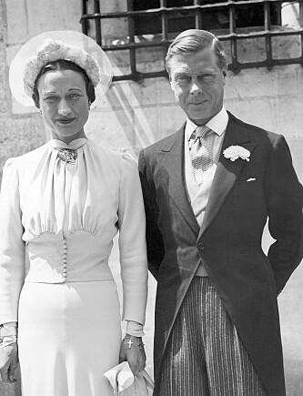 ABDISERTE: Kong Edward VIII av Storbritannia valgte å abdisere fra tronen i 1936, siden han ikke fikk lov til å gifte seg med den to ganger skilte amerikanske kvinnen Wallis Simpson. De giftet seg året etter. Foto: NTB Scanpix