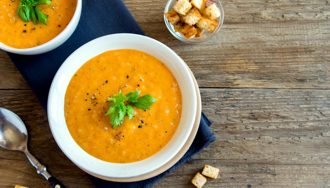SUNNE SUPPER: Du kan lage suppe av nesten alt, gulrot er en klassiker og passer perfekt. FOTO: NTB Scanpix